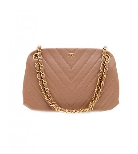 CHANEL BEIGE V CHEVERON CLASP BAG