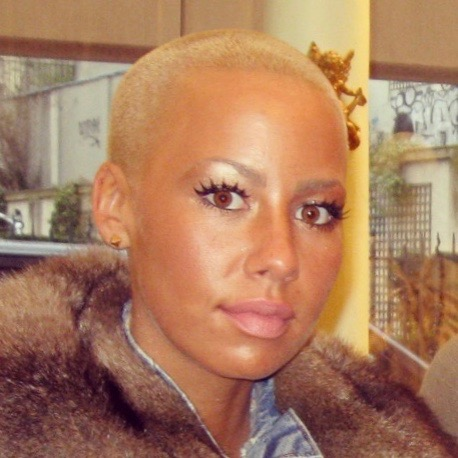 Amber Rose visited VINTAGE PARIS