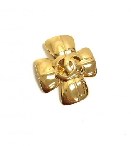 CHANEL CLOVER BROOCH