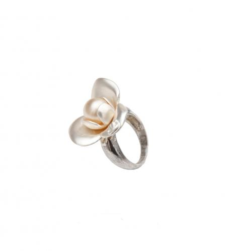CHANEL FLOWER PEARL RING